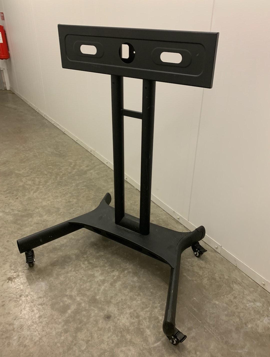 Tv stativ på hjul