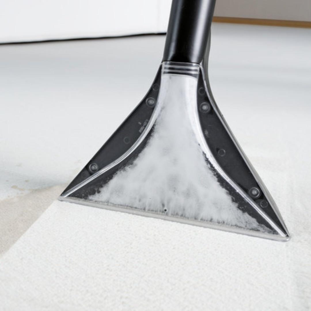 Hyr Textilvårdsmaskin för bl.a. bil soffor mattor av Fredrik